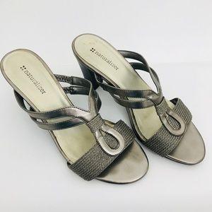 NATURALIZER Sandals Gold Metallic leather Sz 7.5